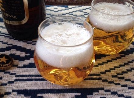 よく晴れた休日、明るいうちからこのグラスで飲むビールは格別の美味しさ